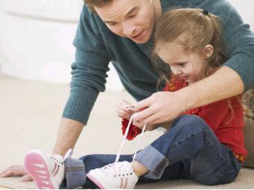 научить-ребенка-завязывать-шнурки