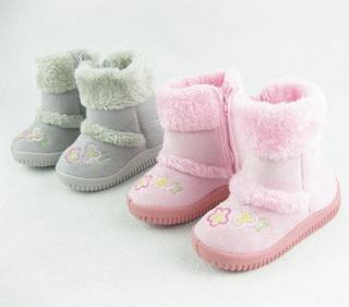 выбирать-тёплую-обувь-для-малышей