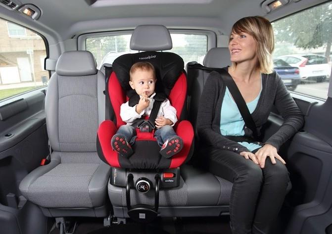 перевозить-ребенка-в-такси